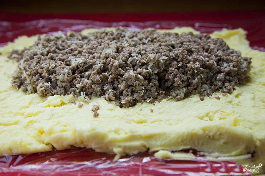 Картофельный рулет с мясом - фото шаг 3