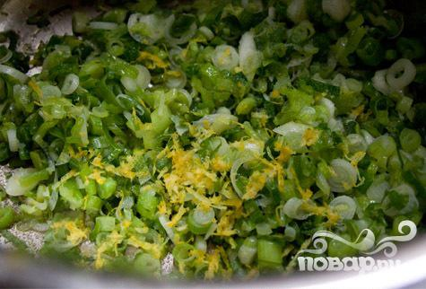 Салат с макаронами, зеленым луком и сыром - фото шаг 3