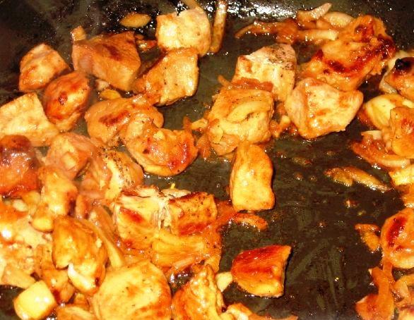 Суп с жареным мясом - фото шаг 1