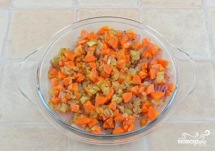 Рыба с луком и морковью - фото шаг 8