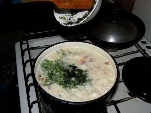 Суп с сыром и колбасой  - фото шаг 7