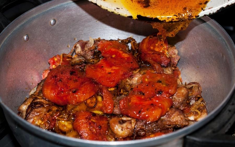 Курица с помидорами - фото шаг 9