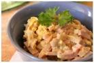 Салат с колбасой простой