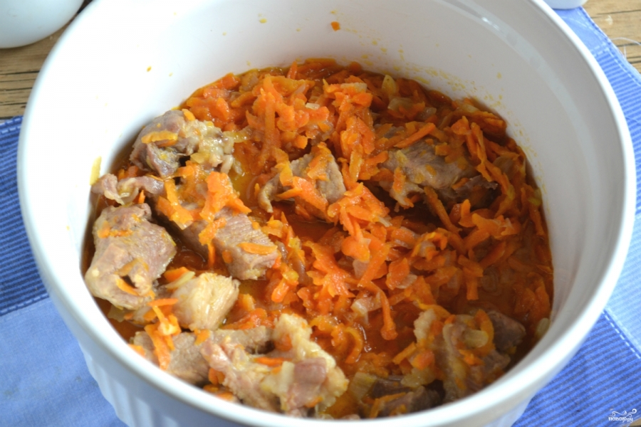 Тыква в духовке с мясом - фото шаг 7