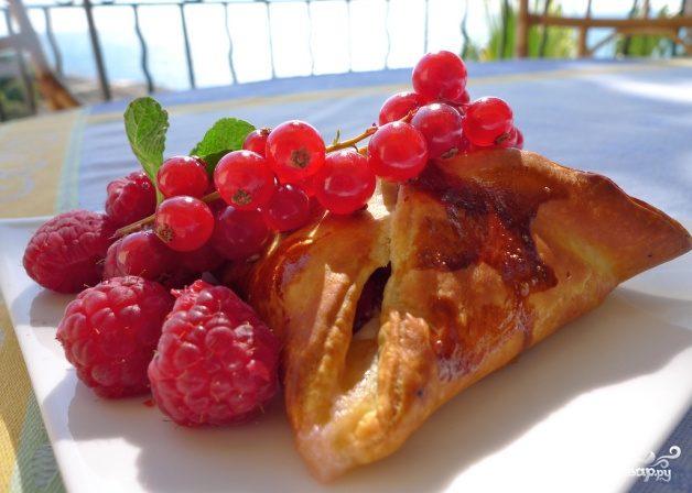 Рецепт Пирожки с малиной в духовке