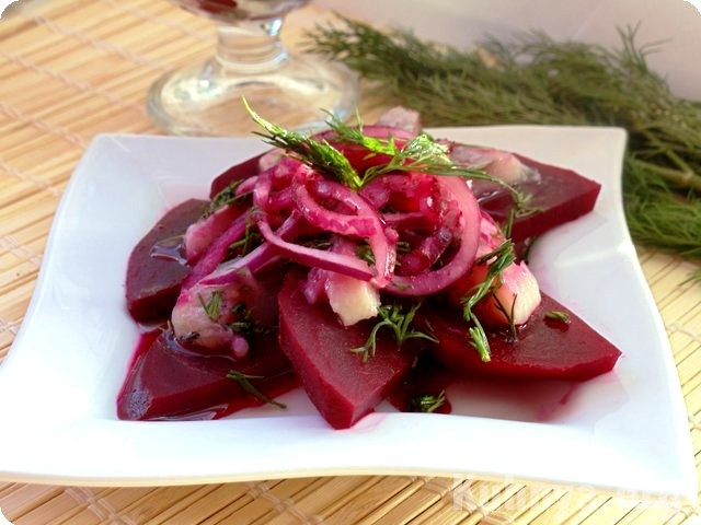 Салат из сырой свёклы