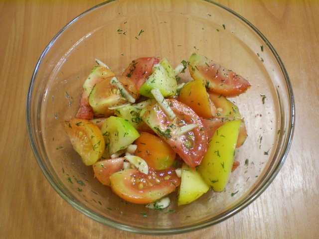 Быстрые помидоры с чесноком - фото шаг 5