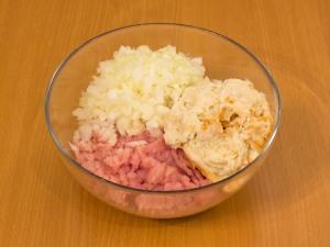 Куриные тефтели под сливочным соусом - фото шаг 4