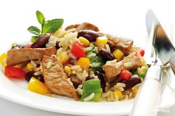 Рецепт Рис с мясом в горшочках