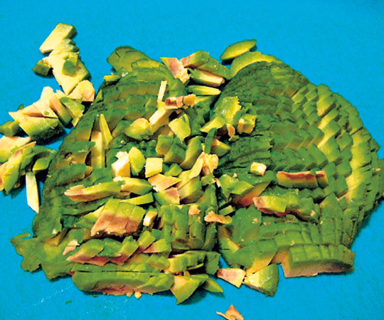 Красная рыба под шубой салат - фото шаг 4