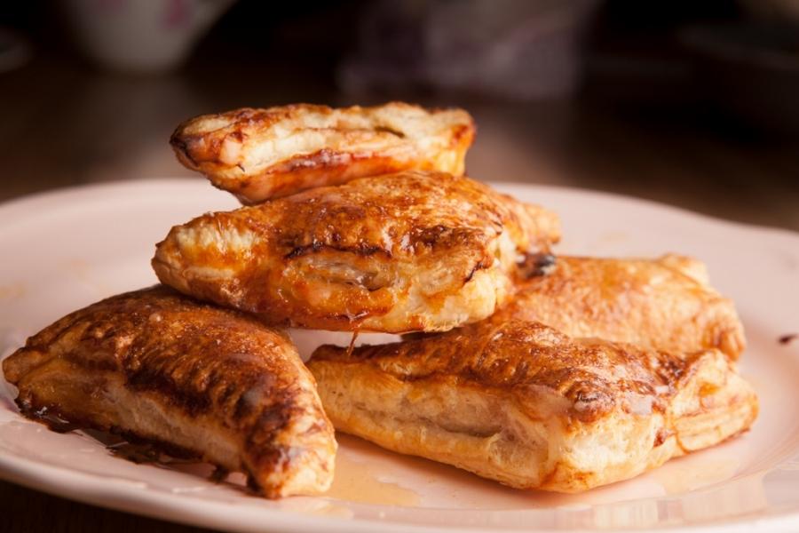 Пирожки в духовке сладкие - фото шаг 9