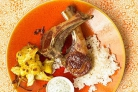 Баранина с цветной капустой и соусом