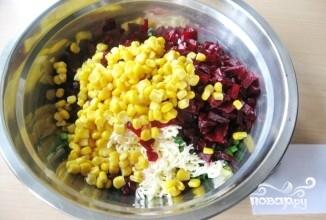 Салат из красной свёклы - фото шаг 5