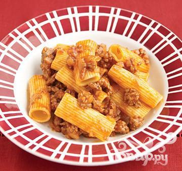 Рецепт Паста ригатони с пряным мясным соусом