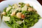 Паста с морскими гребешками и шпинатом
