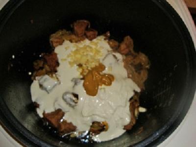 Тушеное мясо в мультиварке - фото шаг 5