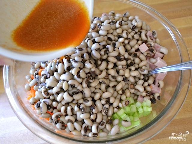 Сытный салат с черноглазкой - фото шаг 10