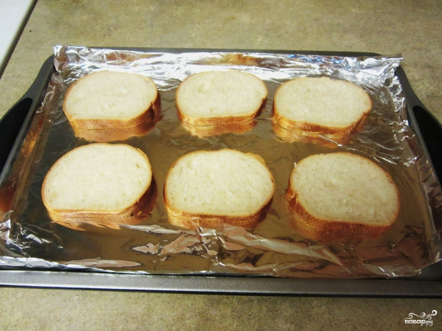 Бутерброды с помидорами в духовке - фото шаг 2