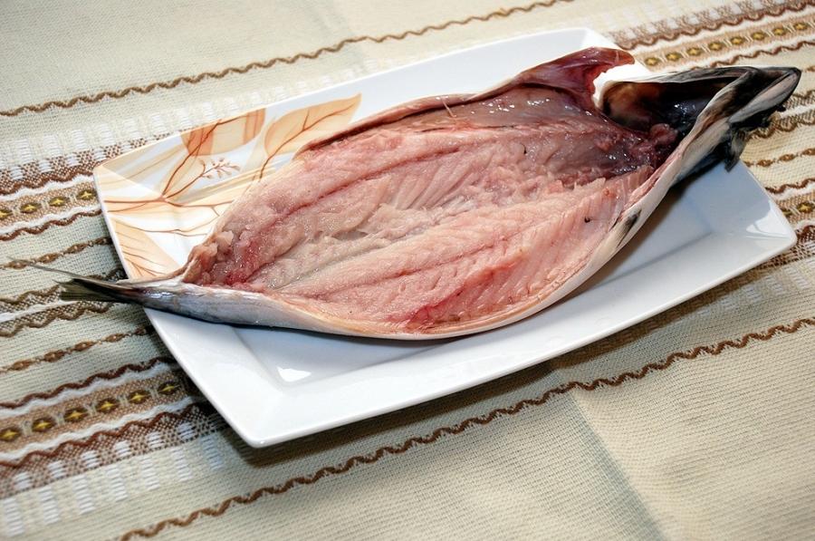 Рыба фаршированная и запеченная - фото шаг 2