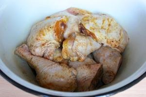 Курица, запеченная в соевом соусе - фото шаг 3