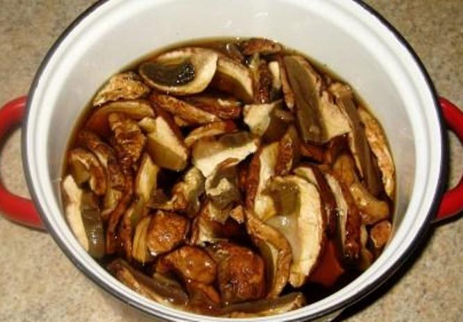 Рецепт Суп из сухих белых грибов