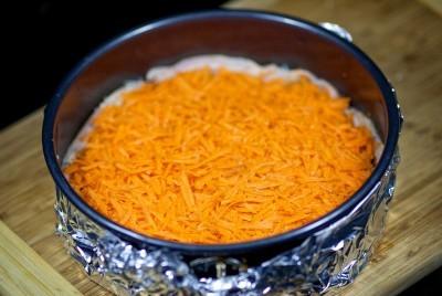 Запеканка с морковью, грибами и курицей - фото шаг 10