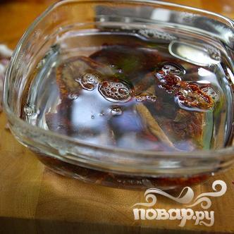 Салат с вялеными помидорами и пастой - фото шаг 1