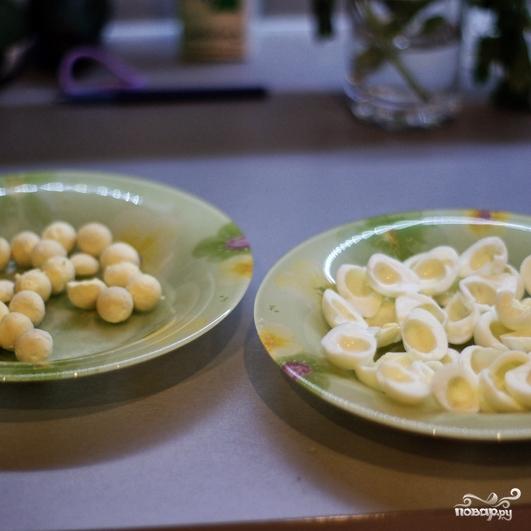 Рецепт Перепелиные яйца, фаршированные икрой