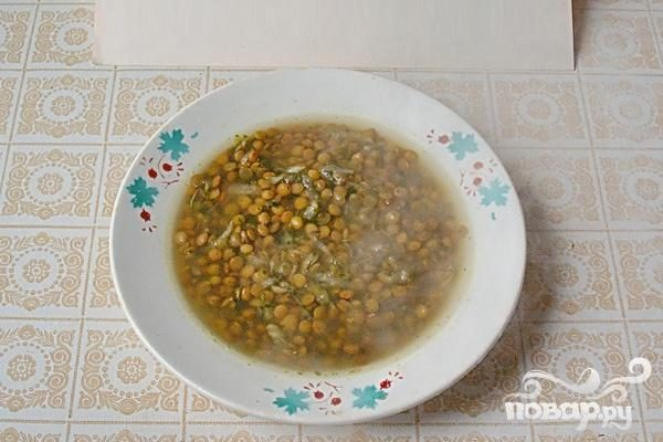 Чечевичная похлебка с сельдереем и шпинатом