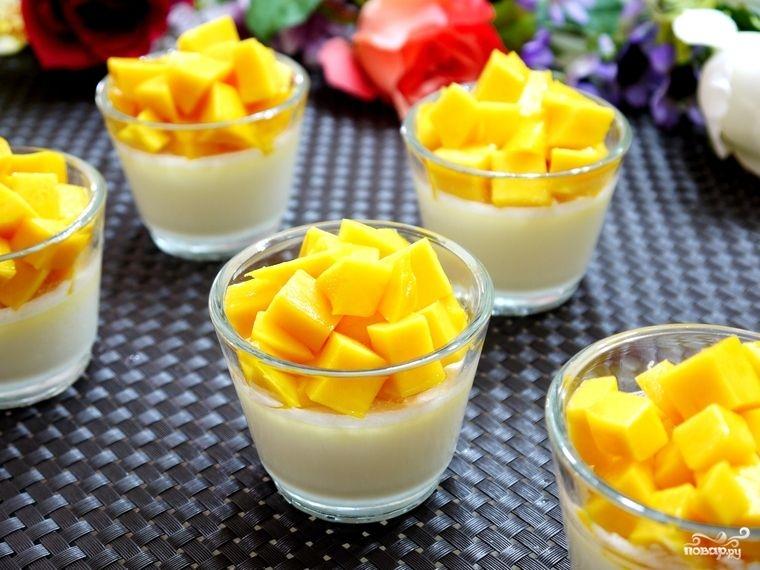 Кокосовое желе с манго