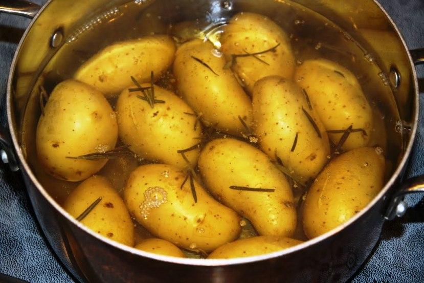 Рецепт Жареный картофель с розмарином