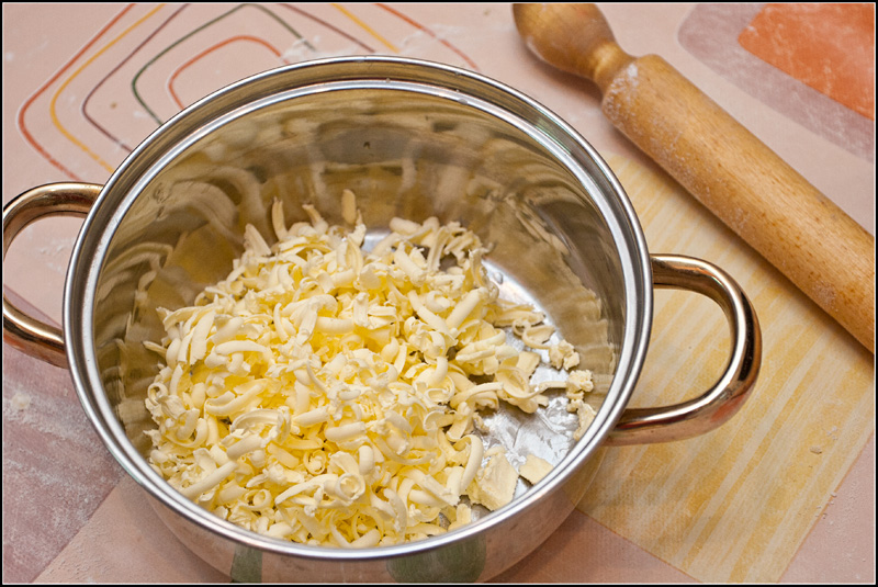 Пирог со смородиной и творогом - фото шаг 1