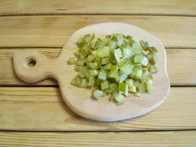 Салат с грибами и огурцами - фото шаг 4