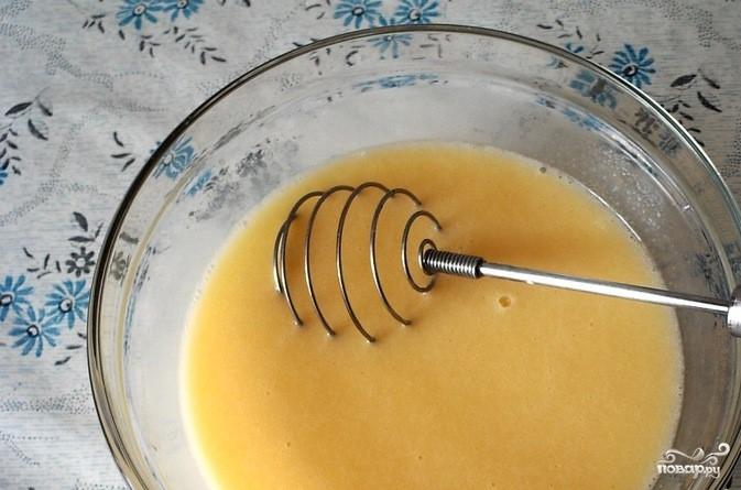 Бисквит на кефире - фото шаг 3