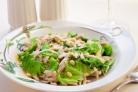Салат с курицей и кедровыми орешками