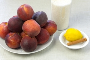 Варенье из персиков быстрое - фото шаг 1