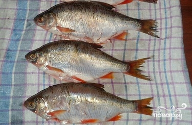 Жареная рыба чебак - фото шаг 1
