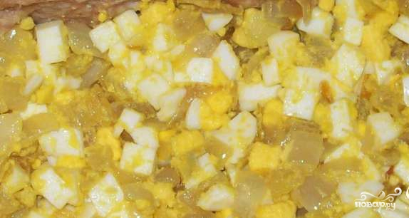 Мясной рулет с яйцом и луком - фото шаг 1