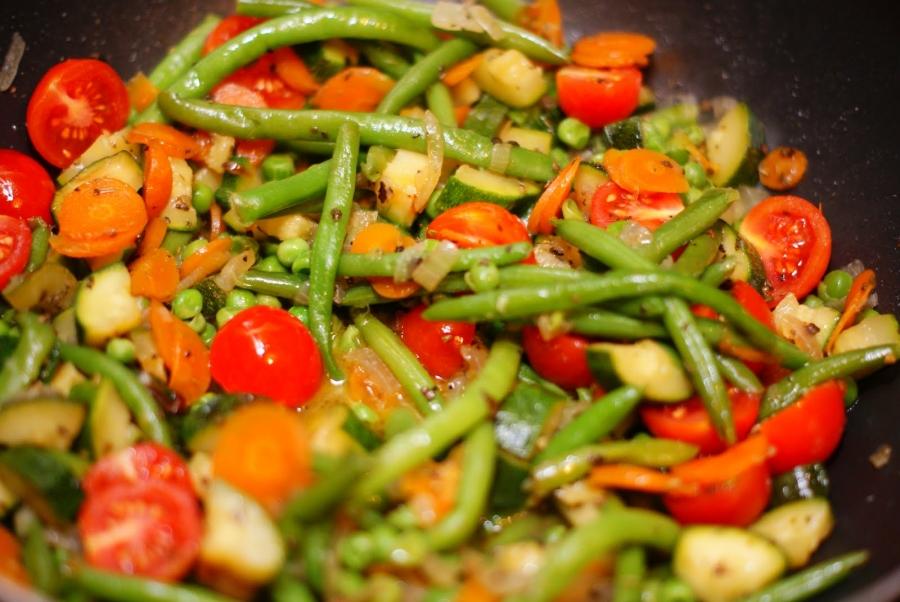 Овощи, жареные на сковороде - фото шаг 4