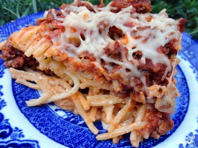 Спагетти с фаршем и сыром