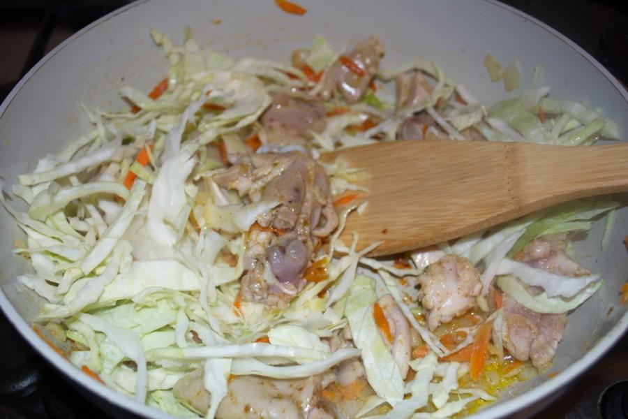 Курица с овощами и кашей - фото шаг 5