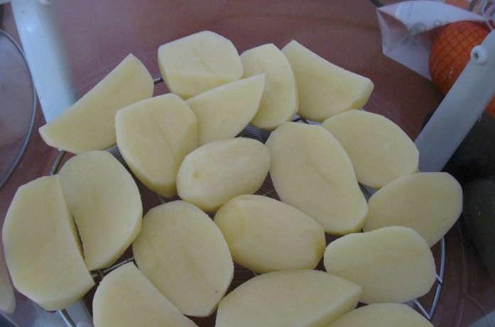 Курица с картошкой в аэрогриле - фото шаг 3