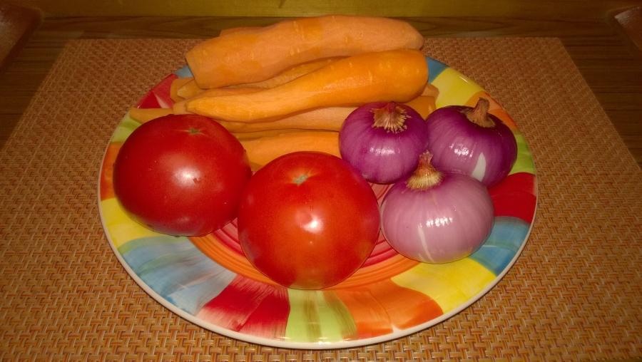 Рецепт Тушеная морковь с луком и помидорами