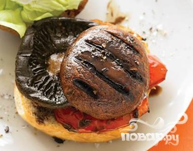 Рецепт Бургеры с грибами и козьим сыром