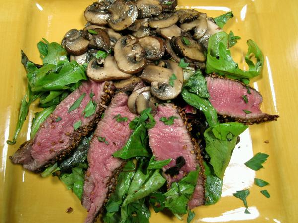 Салат с мясом и грибами фото