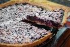 Пирог со смородиной и творогом