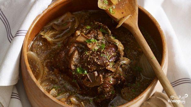 Рецепт Мясо в горшочках с шампиньонами
