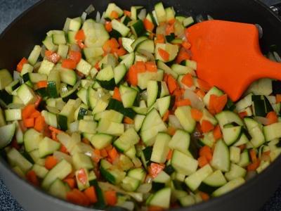 Салат из кабачков и сладкого перца - фото шаг 3