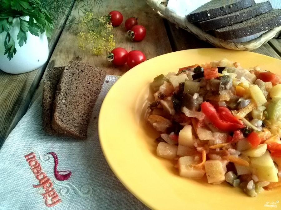 Рецепт овощного рагу с баклажанами и кабачками и картофелем в мультиварке