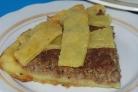 Открытый пирог с мясом и капустой
